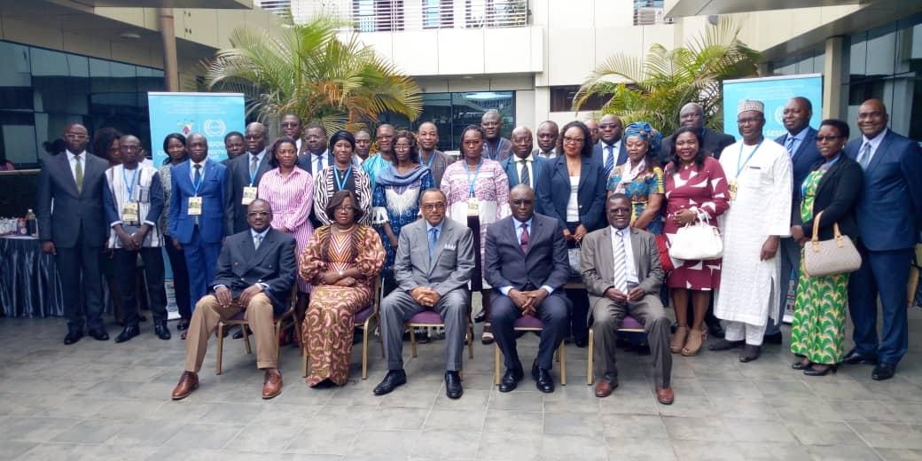 Les participants à l'ouverture des assises de la 42eme session ordinaire du Conseil d'Administration du Travail ( CRADAT)