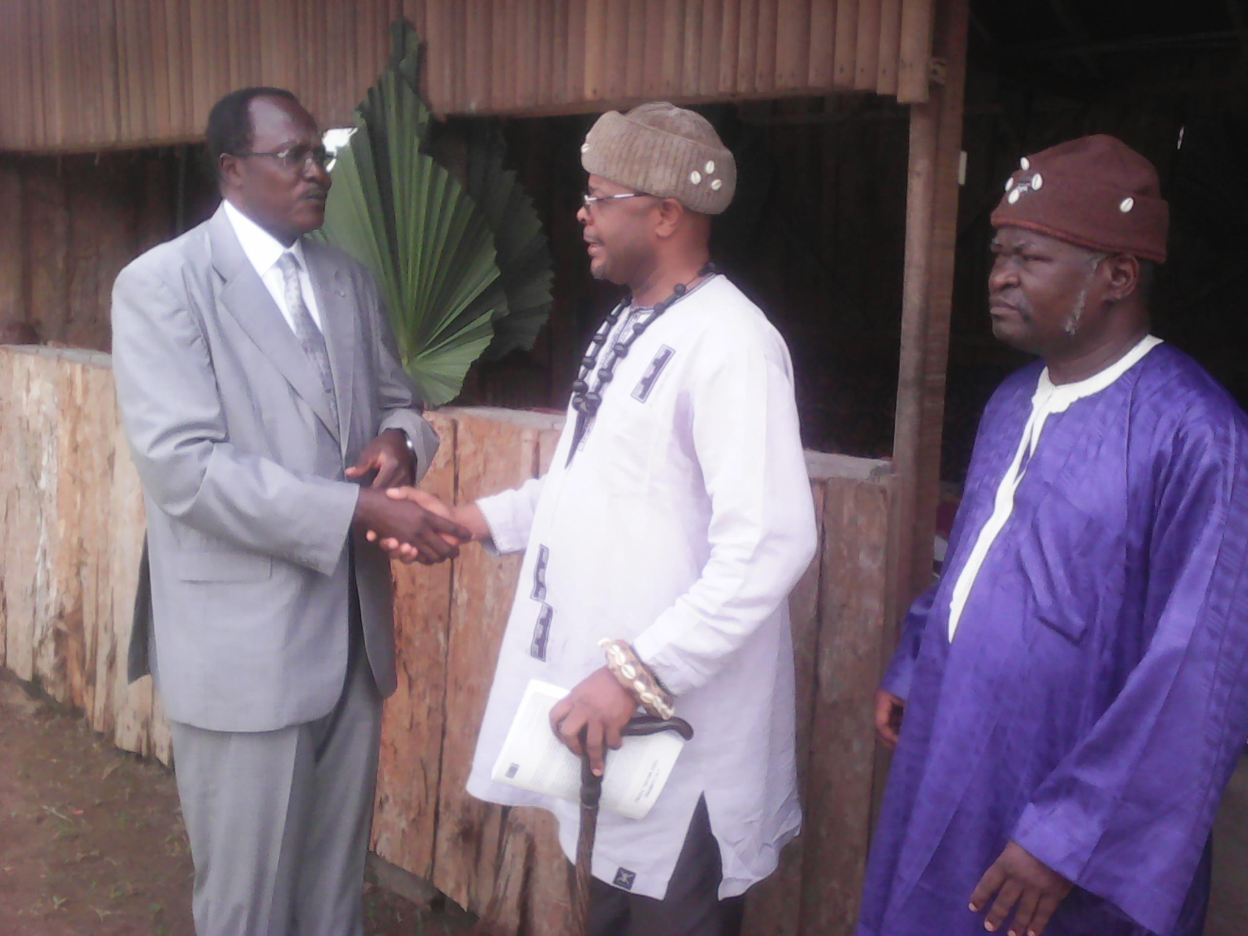 Le Professeur Jean Claude Shanda Tonme,lors d'une rencontre avec les chefs traditionnels du Sud à Ebolowa
