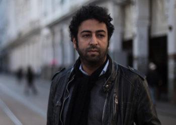 Omar Radi Le 6 avril 2019, le journaliste Omar Radi, 33 ans, publie un tweet critiquant un juge de Casablanca. Ce dernier venait de condamner lourdement (jusqu'à 20 ans de prison) les leaders de manifestations largement pacifiques de la région du Rif, accusés de violences envers les forces de l'ordre. Le verdict était principalement basé sur des aveux que les accusés disent avoir signés après avoir été torturés ou induits en erreur par la police – une allégation sur laquelle les tribunaux n'ont jamais enquêté sérieusement, même si elle était étayée par des rapports médicaux à leur disposition.